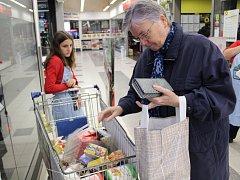 Národní potravinová sbírka se v Benešově konala poprvé.