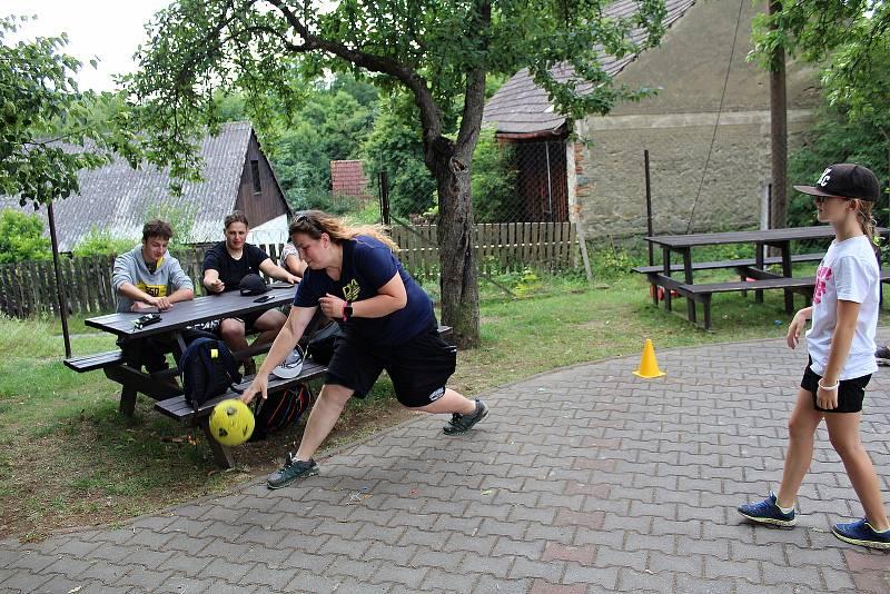 Z pobytového tábora DDM Benešov v Turistické základně Jablonná nad Vltavou.