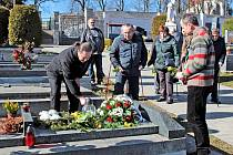 Z pietního setkání u příležitosti vzpomínky na Mojmíra Chromého, bývalého starostu Benešova.
