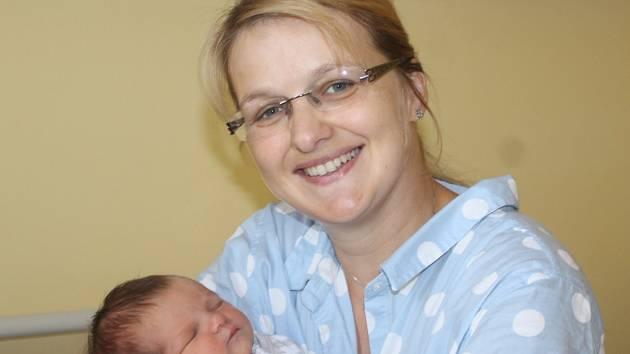 Malá Tereza se narodila 17. září v 16.23. Při příchodu na tento svět vážila 3,49 kilogramu a měřila 49 centimetrů. Radost z prvorozené dcery mají rodiče Lenka Šindýlková a Jiří Barták z Újezdu nad Lesy.