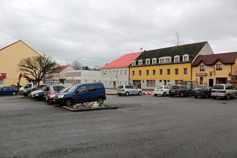 V centru Bystřice by mělo ubýt aut.