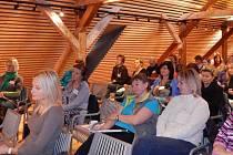 Konferenční místnost zaplnili učitelé všech typů škol.