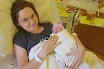 Emma Brožková se manželům Lucii a Danielovi narodila v benešovské nemocnici 26. července 2020 v 7.38 hodin, vážila 3060 gramů. Doma v Strančicích na ni čekal bratr Dominik (2).