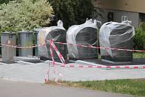 Podzemní kontejnery v Antuškově ulici.
