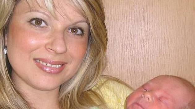 V sobotu 10. července v 16.52 se narodil Veronice a Zdeňku Konšelovým z Postupic, syn Matyáš, který měl při příchodu na tento svět porodní váhu 3,48 kg a míru 50 cm. Doma už má starší sestru Adrianu.