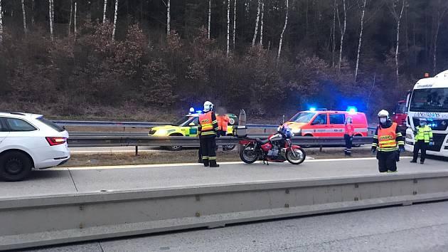 Dopravní nehoda u Mirošovic