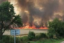 Požár pole u Bystřice.
