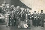 Sochůrkova popovická muzika byla aktivní v letech 1945 až 1960.