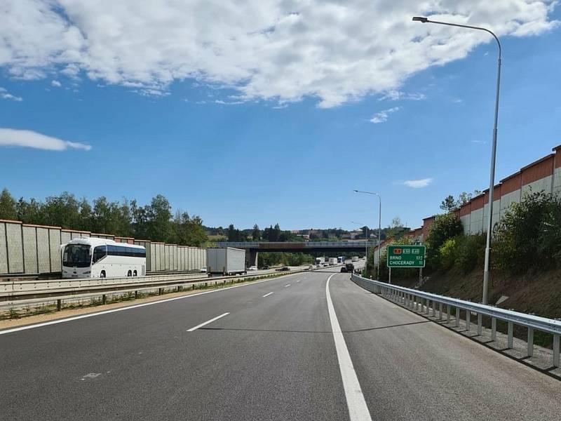 Opravený úsek dálnice D1 hned za Prahou.