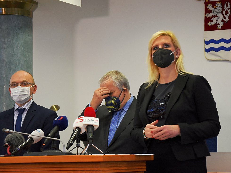 Z tiskové konference v sídle hejtmanství Středočeského kraje o novinkách kolem boje s koronavirem a očkování proti covid-19.