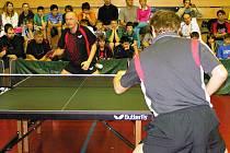 Vánoční turnaj ve stolním tenise pro Příchozí ve Vlašimi