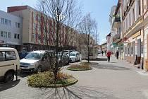 Malé náměstí v Benešově je zcela bez laviček. Změní se to v rámci takzvaného participativního rozpočtu?