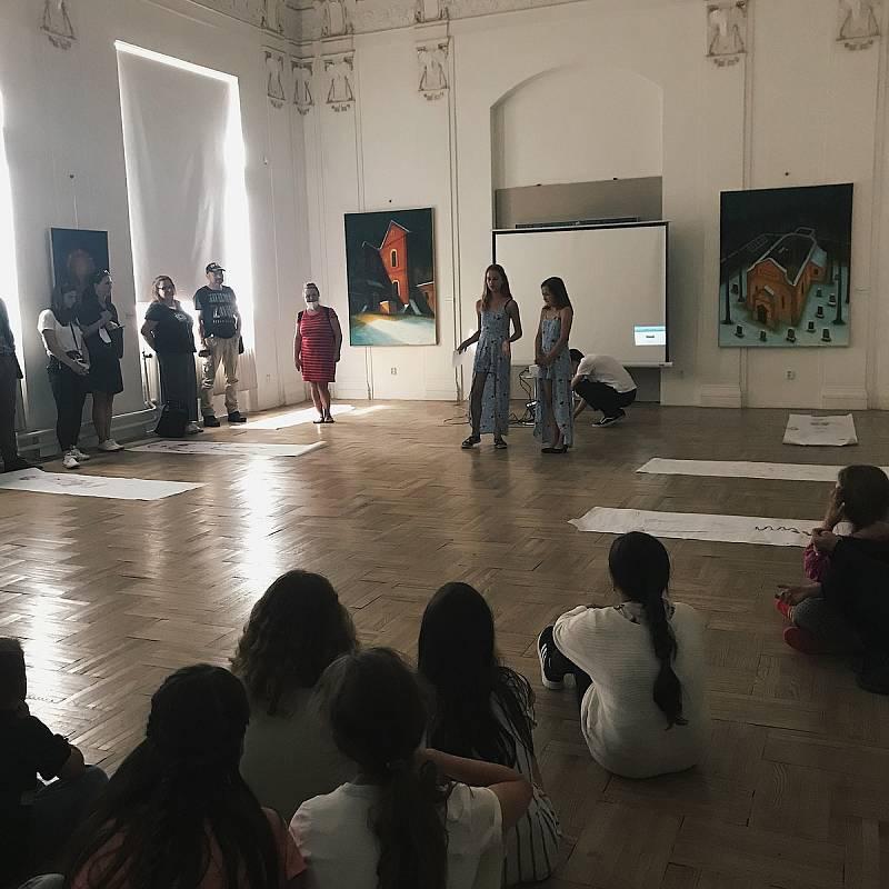 """Z příměstského tábora """"Hledá se kolega!"""" v Muzeu umění a designu Benešov."""