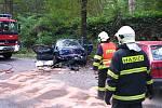 Čelní střet osobních aut u Konopiště.