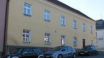 Dům v benešovské Vlašimské ulici, jemuž se přezdívá Chudá Praha.