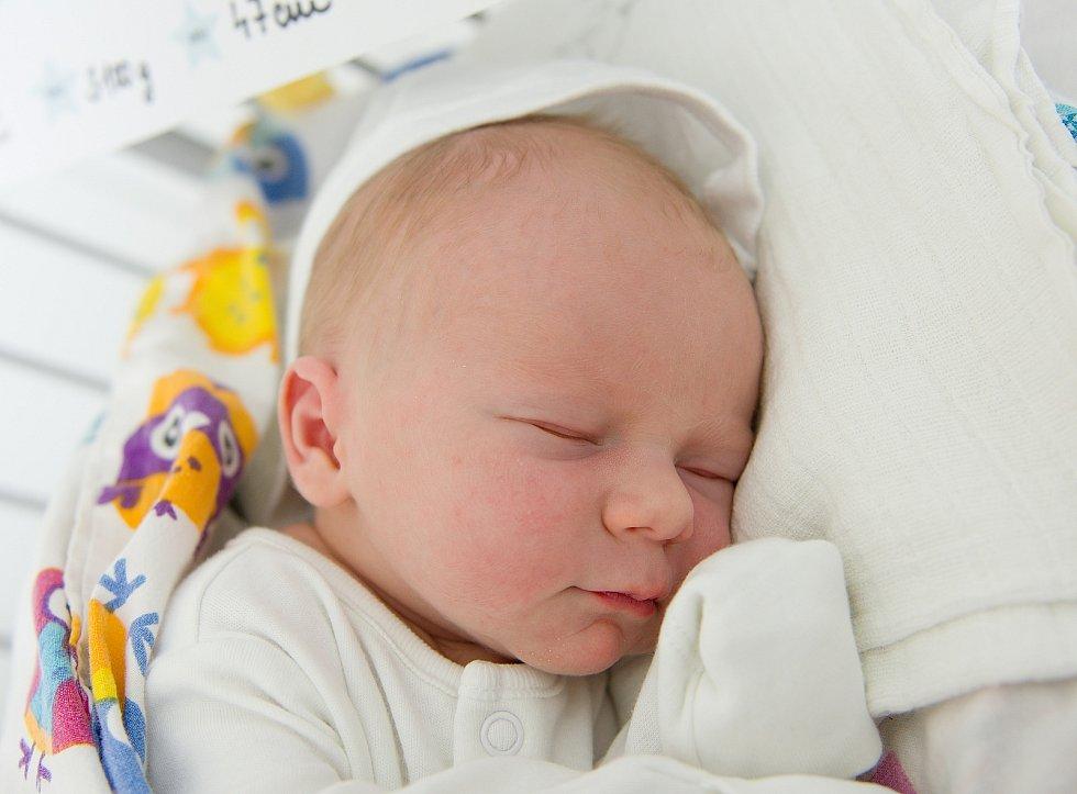 Vojtěch Bauer se narodil v nymburské porodnici 2. května 2021 v 10.16 hodin s váhou 3100 g a mírou 47 cm. Prvorozený chlapeček bude vyrůstat v Čelákovicích s maminkou Irenou, tatínkem Janem a bráškou Matyášem (2 roky).