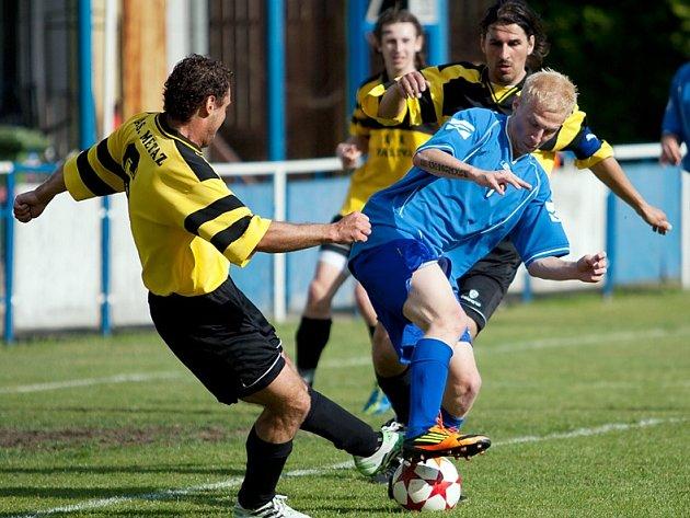 Týnečtí fotbalisté bojují nejen se soupeři, ale i o holý život klubu.