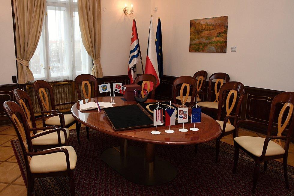 Salonek u sekretariátu hejtmanky v budově Krajského úřadu Středočeského kraje představený v rámci dne otevřených dveří 14. prosince 2019.