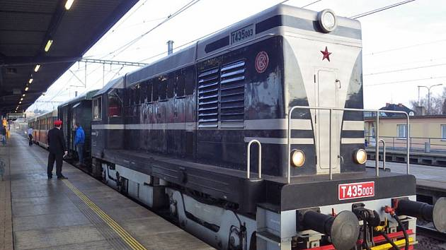 Historický vlak vyrazil do Třeboně.