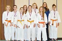 Starší žákyně SKP judo Benešov vybojovaly na mistrovství republiky v Jablonci nad Nisou bronzové medaile.
