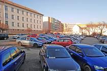 Prostor Pražských kasáren v Benešově zatím využívají motoristé.