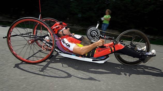 V Soběhrdech na Železném dědkovi ukazují své morální a fyzické síly handicapovaní cyklisté.