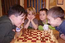 Vánoční šachový turnaj v MŠ Týnec nad Sázavou.