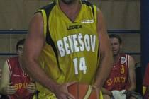 Martin Marek, Benešovský pivot přispěl velkou měrou k debaklu Sparty Praha, když dobře doskakoval i střílel.