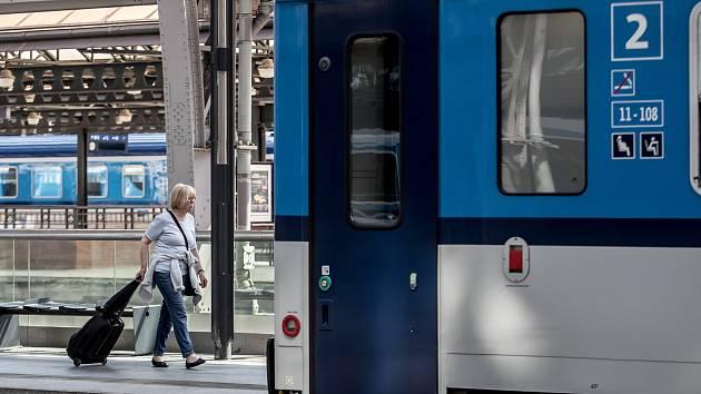 Po železnici mezi Brnem a Zastávkou? Rychlostí až 120 kilometrů v hodině