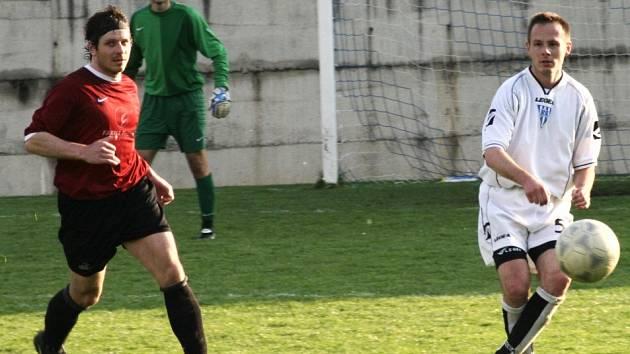 Ve fotbalové I. B třídě si Pyšely poradily doma snadno v okresním derby se Sedlecem-Prčice