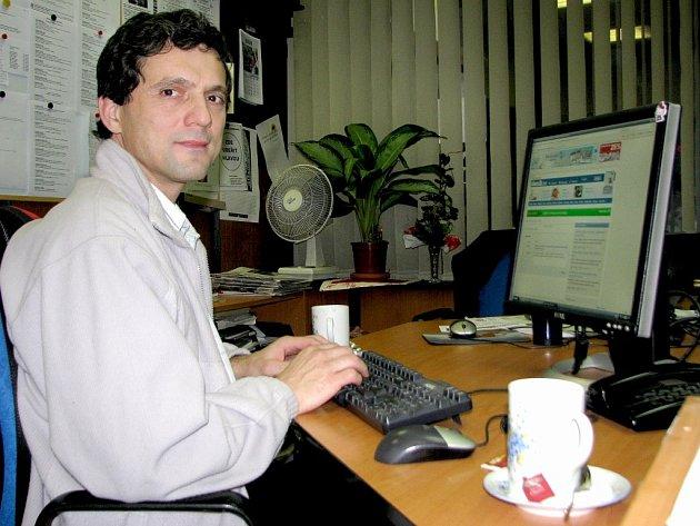 Kantor, básník a prozaik Pavel Hoza.