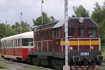 """Sobotní vlak do Kácova potáhne z Benešova T435.0 """"Hektor""""."""