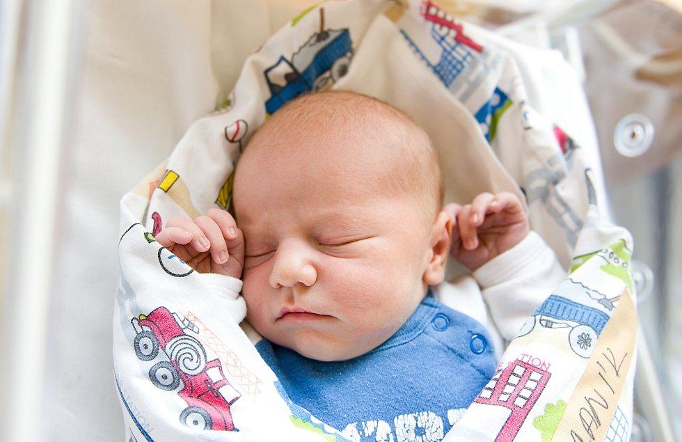 Filip Marcaník se narodil v nymburské porodnici 4. dubna 2021 v 9.53 hodin s váhou 3940 g a mírou 50 cm. S maminkou Jitkou, tatínkem Michalem a bráškou Michalem (3 roky) bude chlapeček bydlet v Plaňanech.