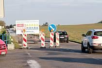 Křižovatka silnic II/111 a II/112 u Struhařova.