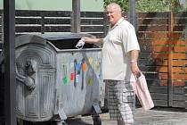 Za svoz odpadu musí platit každý občan v místě svého trvalého bydliště.