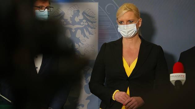 Z tiskové konference v sídle hejtmanství Středočeského kraje. Na snímku hejtmanka Petra Pecková.