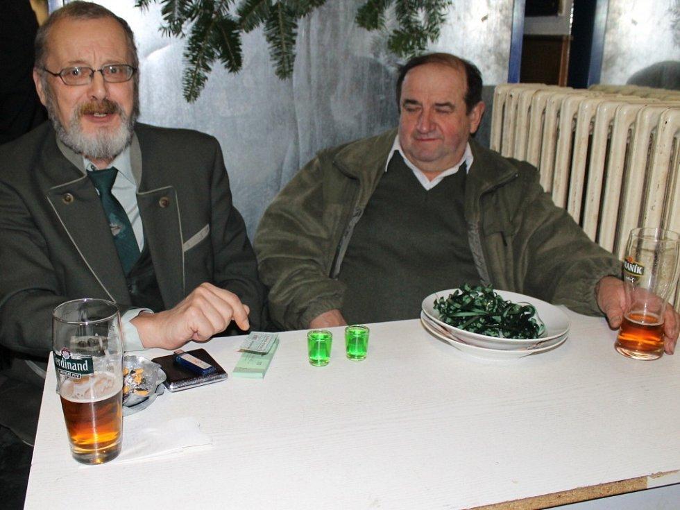 Myslivecký ples ve Vranově.