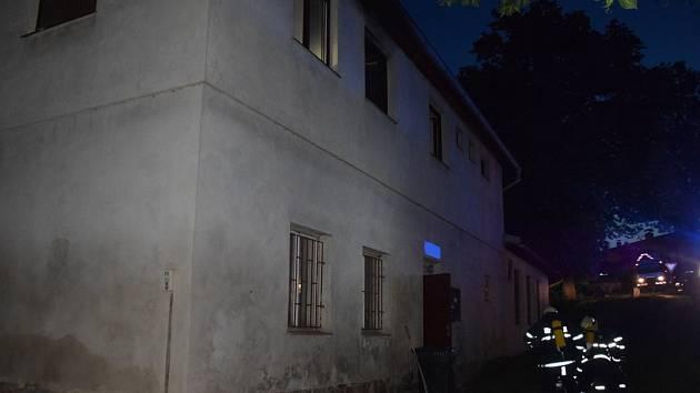 Požár ubytovny v Bukovanech.
