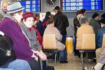 Vlašimský dopravní terminál se přiblížil evropským standardům. Nyní záleží na autobusových dopravcích, radnici, Českých drahách a Středočeském kraji, aby skloubily návaznost  vlaků a autobusů