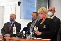 Z tiskové konference o dopadech koronavirové krize na Středočeský kraj.