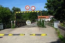 Most přes Sázavu mezi Čtyřkoly a Lštěním je do konce listopadu uzavřený.