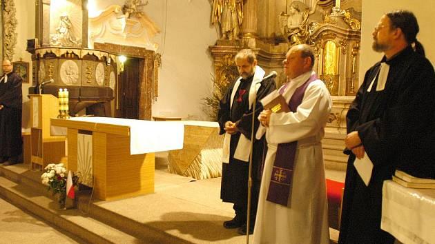 Ekumenické shromáždění u sv. Anny v Benešově.