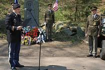 Pietní akce u pomníku amerických letců na Konopišti.