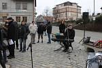 Odhalením pamětní desky na památku obětem transportu smrti si v pátek 25. ledna 2019 veřejnost a představitelé Čerčan připomněli tragickou událost starou 74 let.