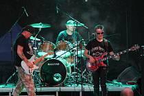 Vystoupení rockerů v rock parku v Týnci.