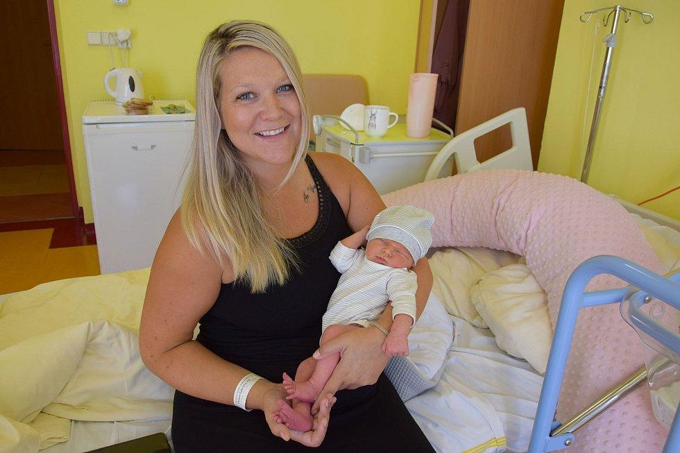 Maxmilián Fiala se manželům Gabriele a Samuelovi narodil 6. září 2021 ve 12.49 hodin, vážil 3340 gramů. Bydlištěm rodiny jsou Jevany.