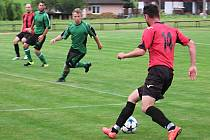 Již jistý vítěz okresního přeboru Struhařov si poradil s druhými Soběhrdy 3:0.