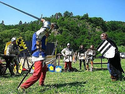 Bitva o brod 2010 ve Zbořeném Kostelci.