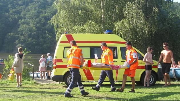 V Juniorcampu zasahovali vodní i letečtí záchranáři a sanitka
