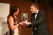 Premiérové představení Vrah své ženy v miličínském kulturním domě.